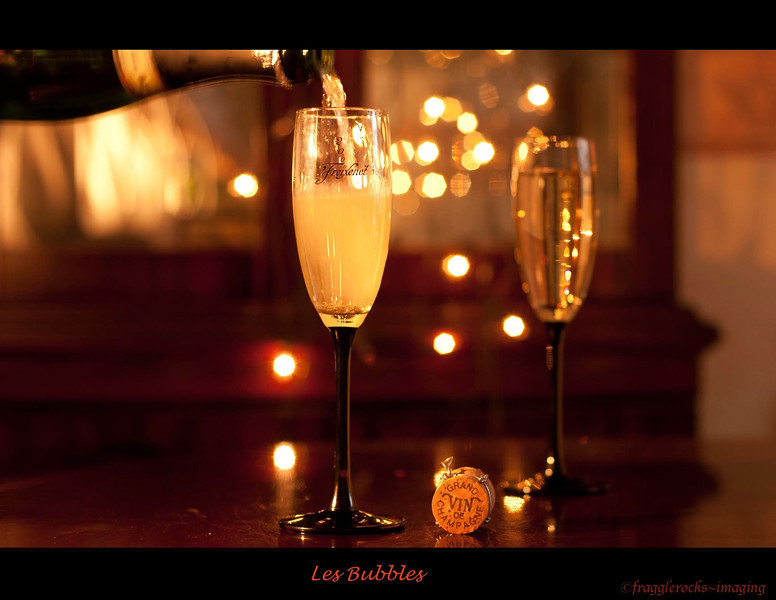 Les Bubbles<br /> <br /> I love champagne and sparkly wine!