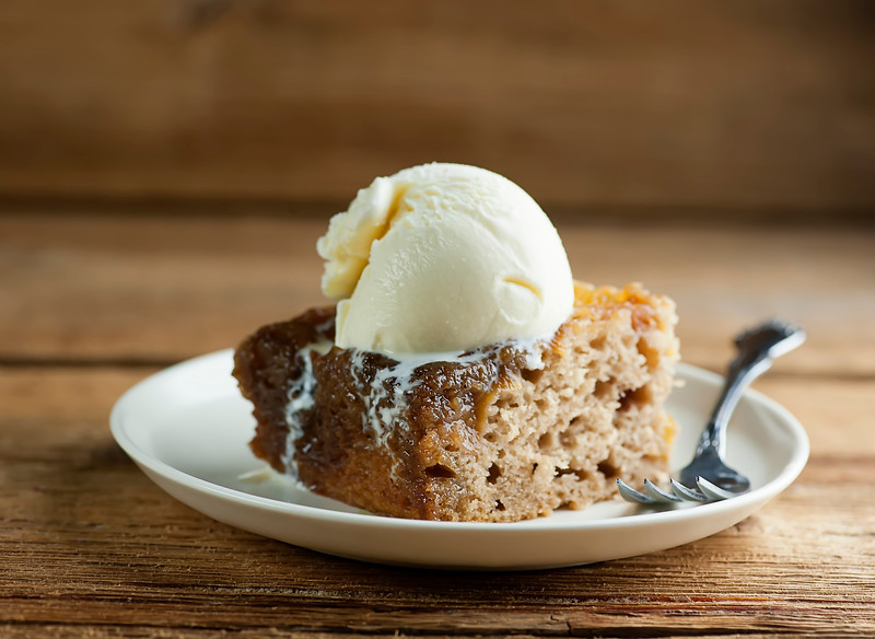 Peach Upside Down Cake with ice cream