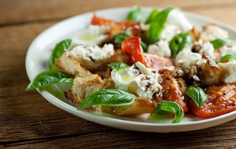 how to make Roasted Caprese Salad