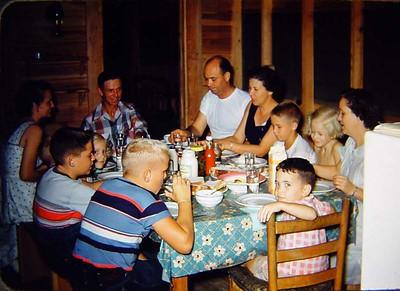 Madelyn, Gaines, Frank, Bill, Maida, John, Margaret, Annie, Bobby, Frank Jr., Cren, Lyn