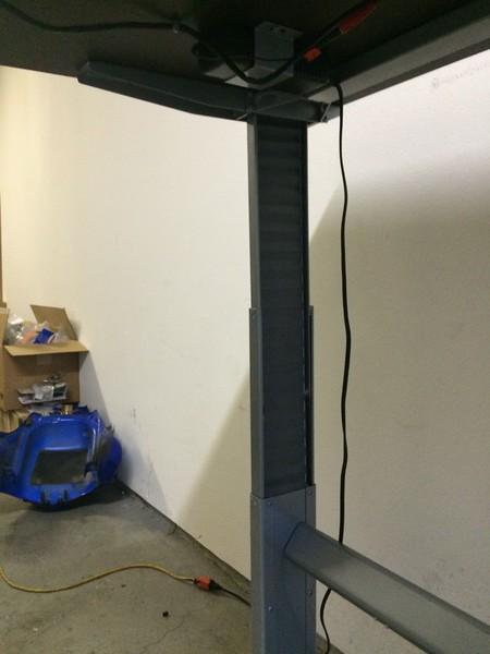 """BioMorph Standing Desk 60"""" x 30"""" - left leg detail"""