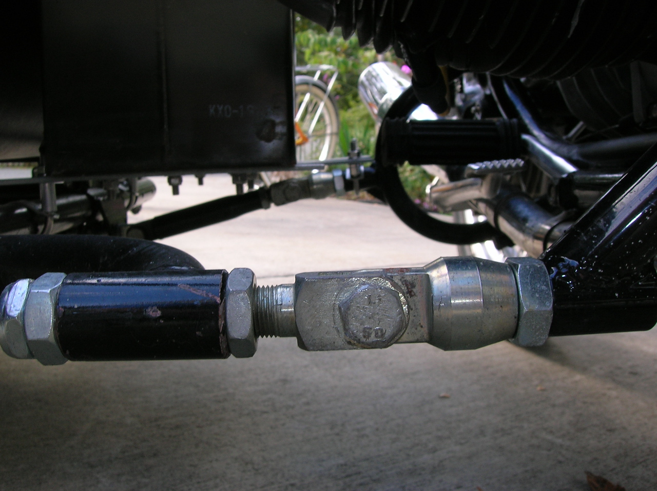 Front lower mount to sidecar.