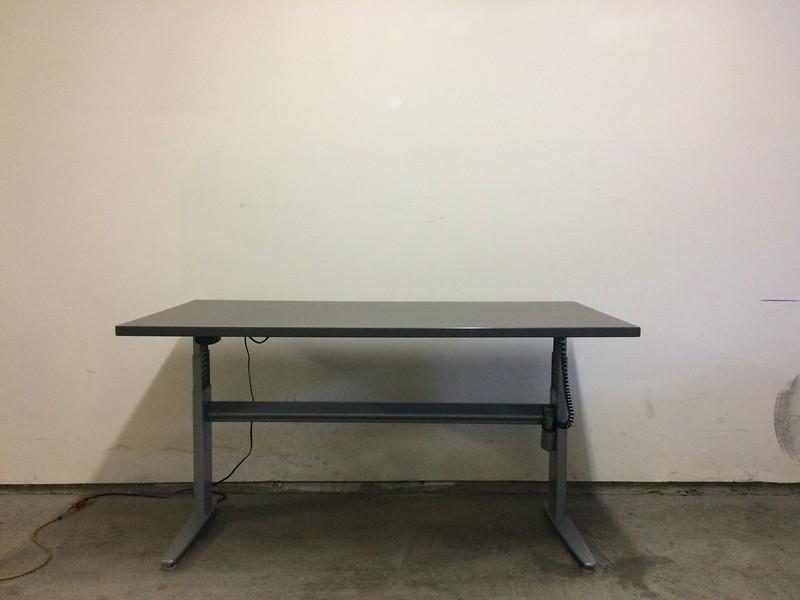 "BioMorph Standing Desk 60"" x 30"" - mid-height"