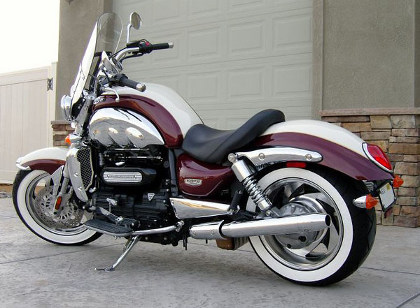 mb_tire_paint_Triumph_Rocket_III_Classic_Tom_Marshall_Nevada