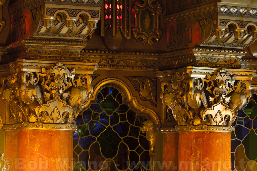 Photos of Fox Theatre lobby details follow.