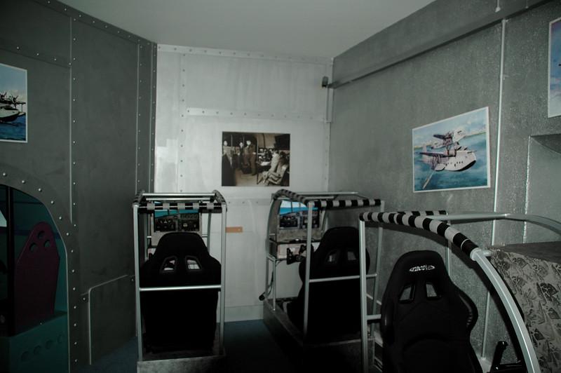 DSC_3139.JPG <br /> Flight simulators