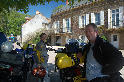 We get blue skies and typical French houses... just what we were after. Stopping for a water break, shade required!