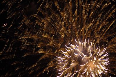 Fireworks, July 4 2006 Nomahegan Park, Cranford NJ Nikon D70 with Nikkor 180mm f2.8 1/20th of a second at 400 ISO