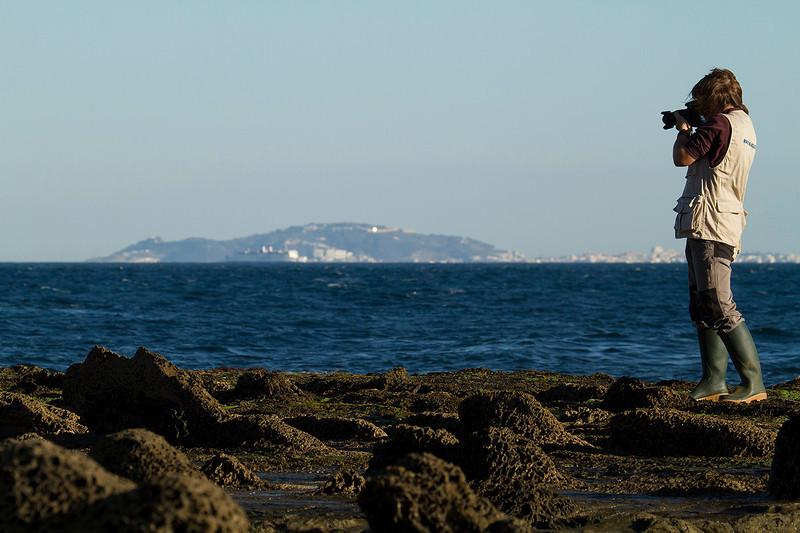 Ana en el estrecho de Gibraltar con Ceuta al fondo