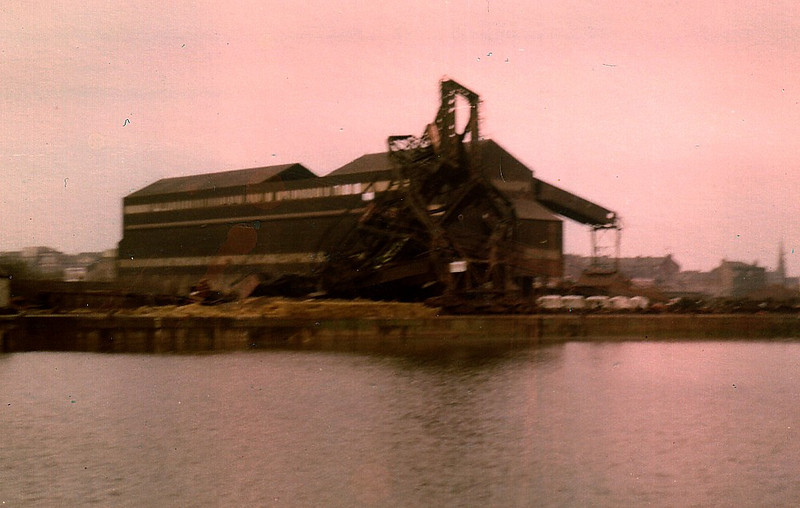 The second (middle) unloader was blown up at 10:00 on 15th February 1981.