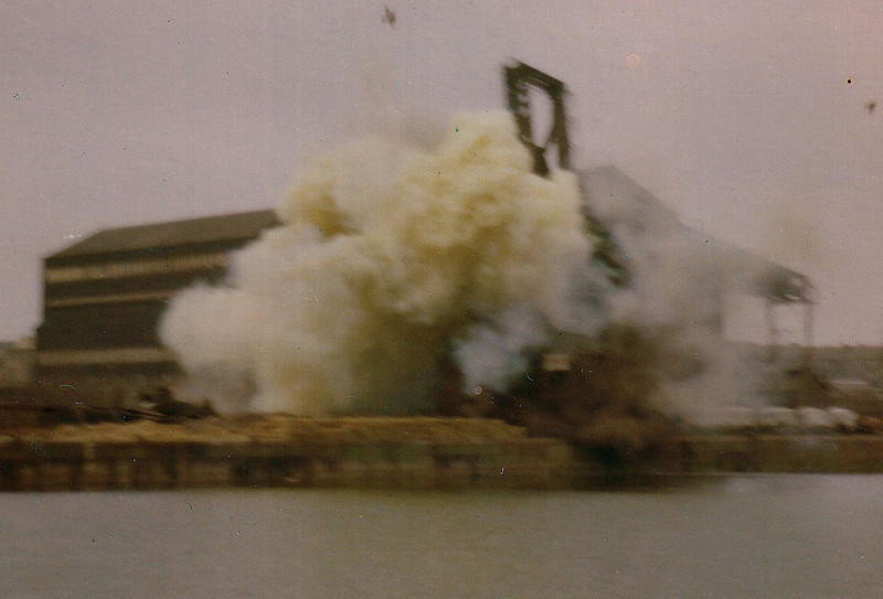 The second (middle) unloader was blown up at 10:00 on 15th February 1981