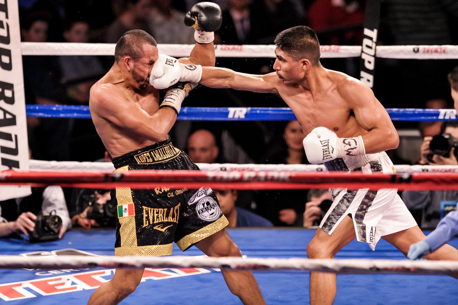 BOXING 2013 - MIiguel Garcia vs Orlando Salido
