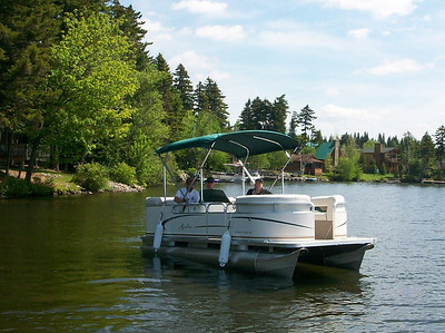2010 pontoon boat