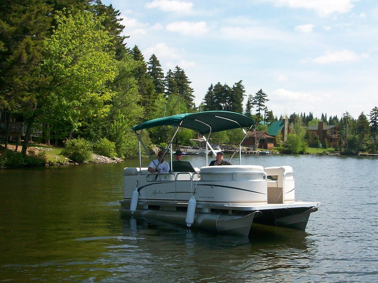 2010 pontoon boat