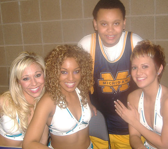 Demtries and Da OKC HONEY BEES.  Hornets vs LA Lakers game.  Ford Center OKC, OK. Feb. 4, 2006.