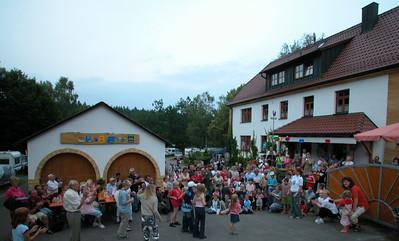 Jubiläumsfest Sa 24.07.04/\Kindertanz Lollipop