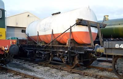 GWR 6w Milk Tank DW3043 at Toddington  14/03/15.