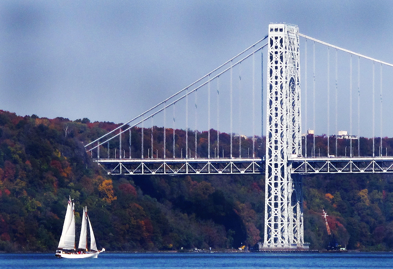 Sailboat and George Washington Bridge G10 Digital Zoom-