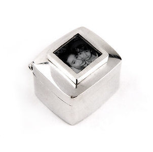 "Gifts_T_02, $120 Sterling silver keepsake box; photo size is approx. 3/8"" x 3/8"".  A wonderful new baby gift, perfect for a first tooth or lock of hair.  Also makes a great keepsake gift for any holiday!"