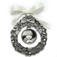 "Gift_K_04, $38.00<br /> Photo measures 1"" round.  Pewter.  Your photo is reproduced and sealed for protection."