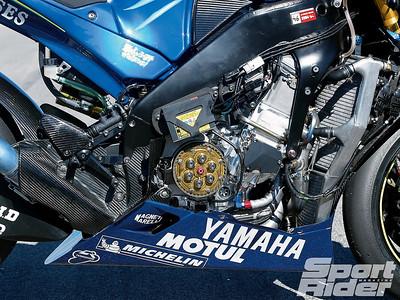 146_1104_09_z yamaha_YZR-M1 frame_rigidity
