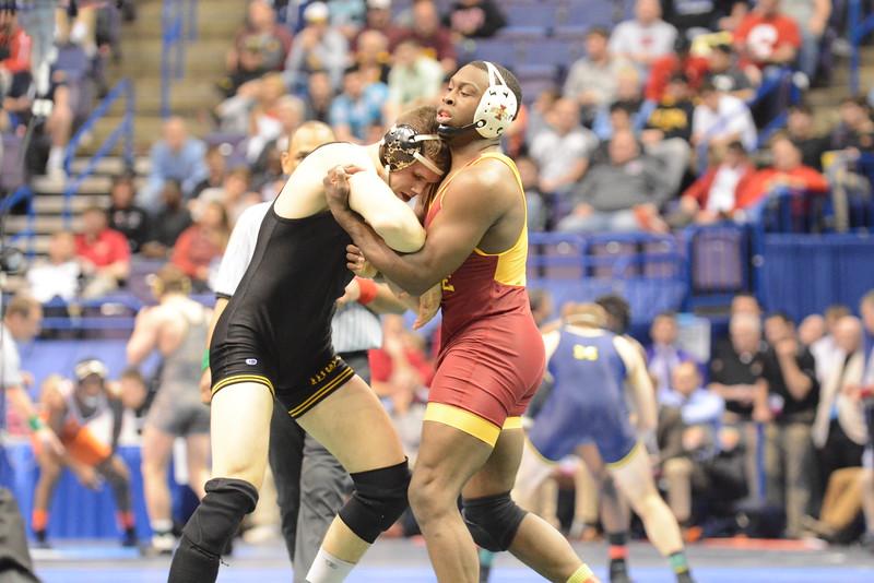 2015 NCAA National Championships<br /> 197<br /> Quarterfinal - Kyven Gadson (Iowa St.) 30-1 won by major decision over Nathan Burak (Iowa) 24-7 (MD 12-2)