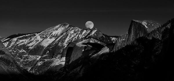 Moonrise Over Cloud's Rest