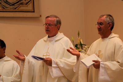 Fr. John van den Hengel and Fr. Aquilino Domínguez during the closing mass.