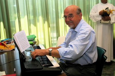 "The ""organ grinder"" Fr. Heinz Faller"