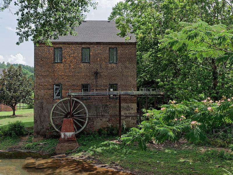 Old Brick Mill, Lindale, Georgia