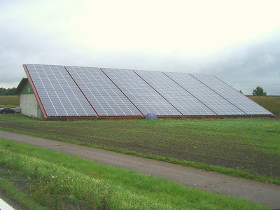 A barn east of Freiburg. The farmer was very proud of the fact that this was a 157kW system. I'd be proud of it too if it was mine!