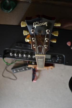 Gibson Les Paul N Fender Amp