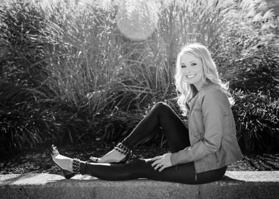 Hannah Model bw (1 of 1)