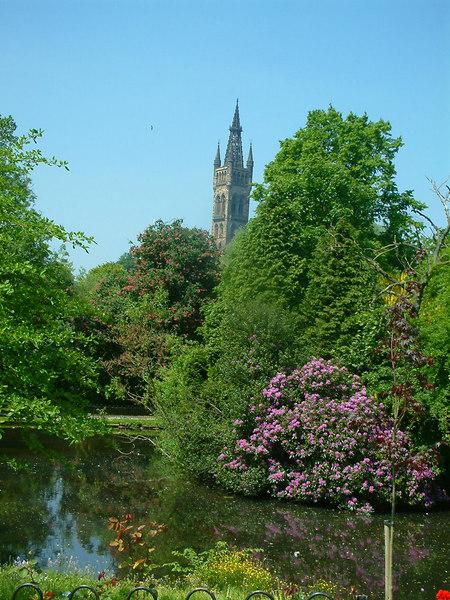 University of Glasgow viiewed across the Kelvingrove pond