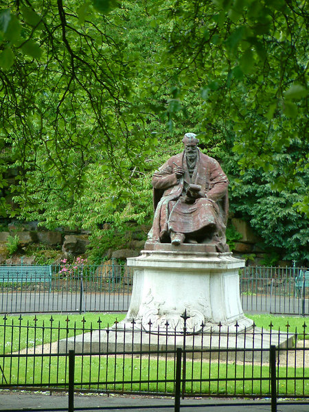 Statue of William Thomson, 1st Baron Kelvin of Largs, world-renowned scientist,  Professor of Natural Philosophy at the University of Glasgow from 1846 to 1899
