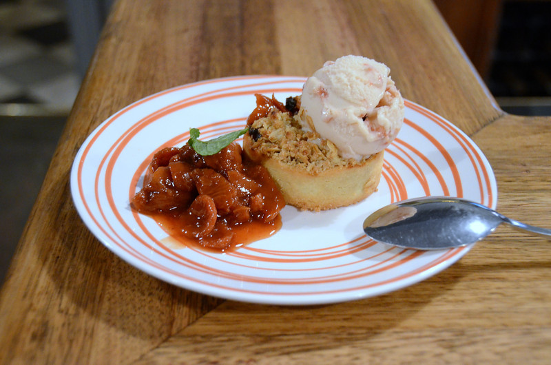 quandong crumble - like a wild peach with the taste of apricot