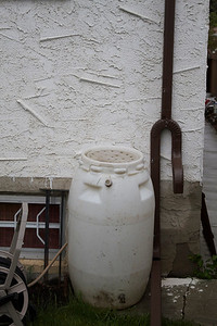 When GML Home Services (Edmonton) invoiced me this downspout was missing.  It was on the work order, but missed.  Given the rain barrel  was sitting to the left of the picture I can only wonder how GML Home Services thought this was going to work.