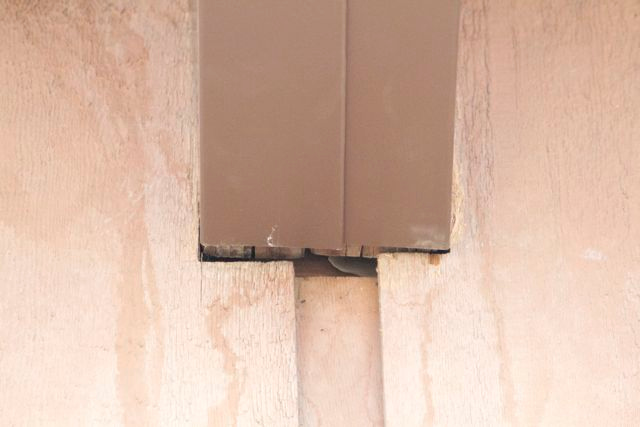 This beam cap is above the middle of the garage door - it was fabricated too short.