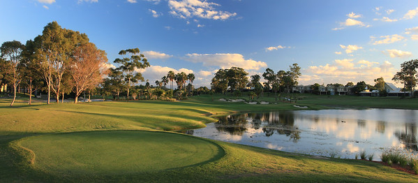 SanctuaryCovePalms_08TeePano_1179