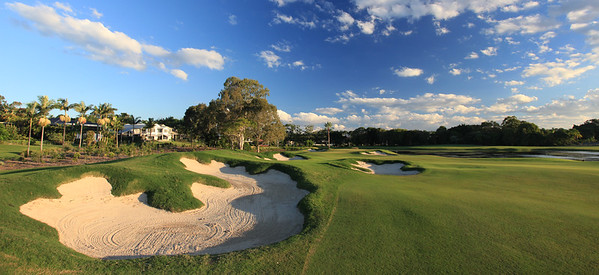 SanctuaryCovePalms_13FWWidePano_1157