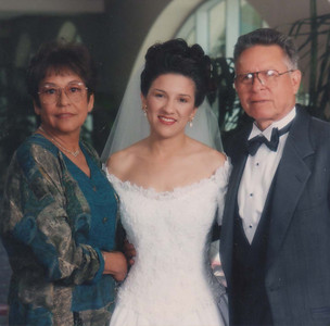 1993 10 02 Wedding Aunt Vicki and Tio Raul_edited-1