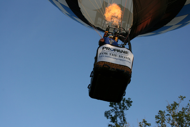 Propane Exceptional Energy Balloon Team lifts off at Great Texas Balloon Race (2009).