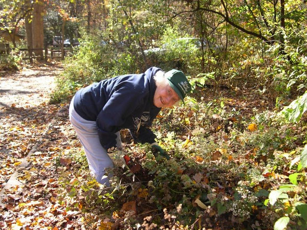 Glencarlyn Unitarian Volunteer-Nov 6-04