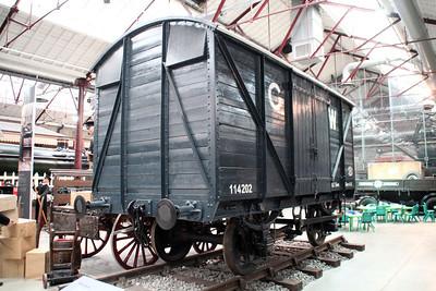 12t Twin Vent Van 114202 inside Swindon Museum   15/03/14