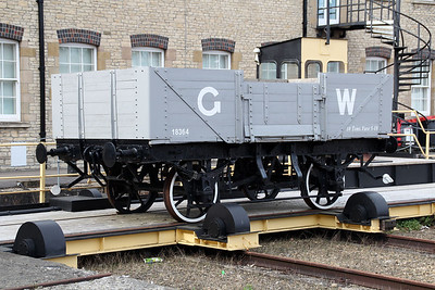12t 5 Plank Open 18364 on the traverser at Swindon Museum   15/03/14