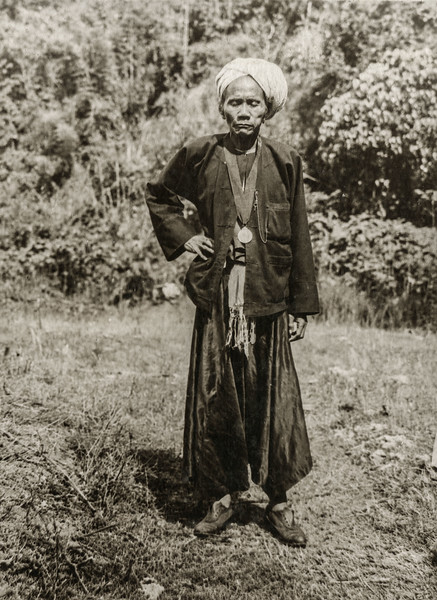 """Myook of Mg Hang village, wearing ATM for quelling rising in 1915"""