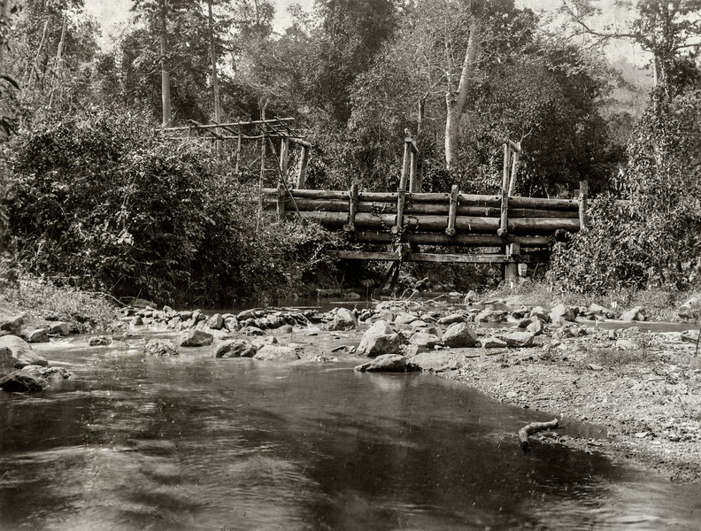 """Lower down: the 1st bridge over the M Sa Ngoon. The H Kan joins this creek on the left side in the bend."""