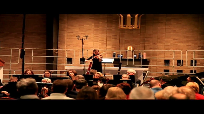 Kitty Chung performing at last years (2008) Christmas Concert at St Charles. Camera Canon 5D MII HD video.