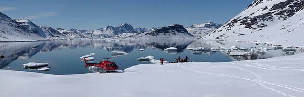 Helicopter skiing East Greenland
