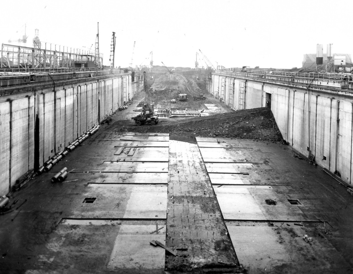 D097General view along centreline of dock - taken 2nd and 4th September 1963